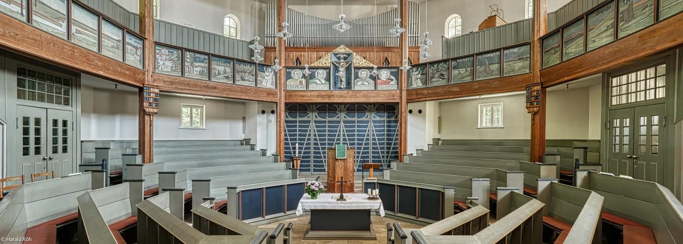 Waldkirche innen